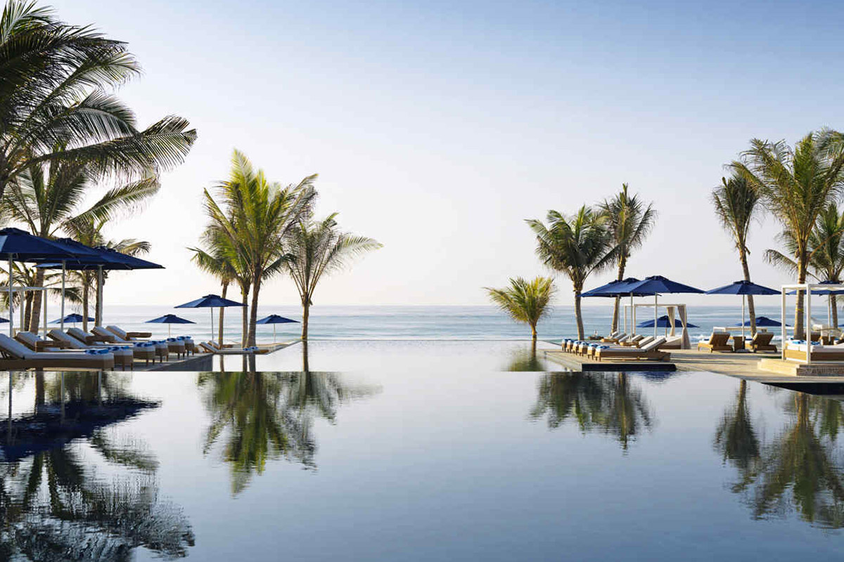 The vast infinity pool at Anantara's Al Baleed Resort Salalah | Image: Paul Thuysbaert, Pelorus